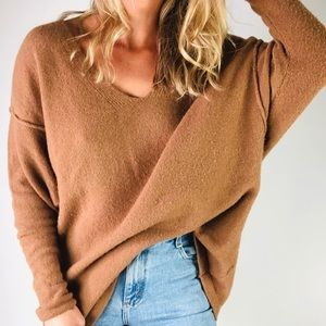 FREE PEOPLE | Camel V Neck Oversized Sweater S
